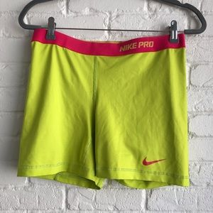 Nike Pro Athletic compression shorts sz Large